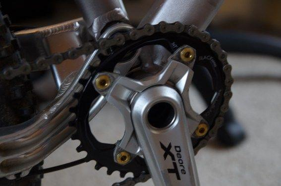 AbsoluteBlack chainring and Shimano XT cranks
